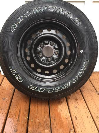 Photo Goodyear Wrangler ST MS - $10 (Sixes)