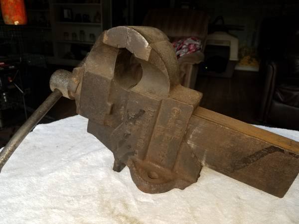 Photo Old 4quot Chas -Parker Vise - $50 (Coos Bay)