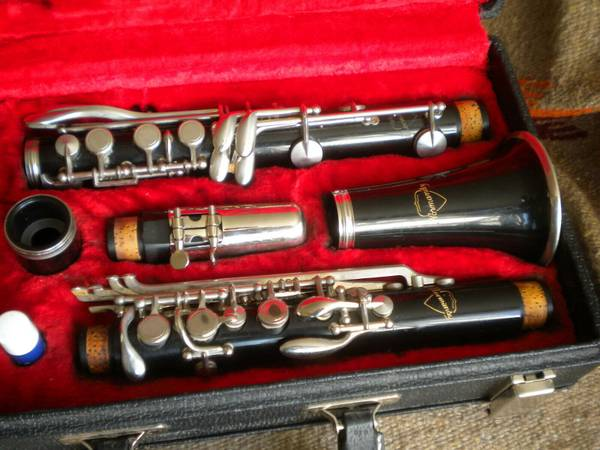 Photo Wanted Used Plateau Key Clarinet (no open holes) - $200 (Langlois)
