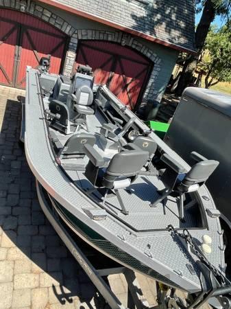 Photo Willie Boats Raptor 23.5 ft. 200HP Optimax Sport Jet Boat Open Bow - $78,500 (Oregon City)
