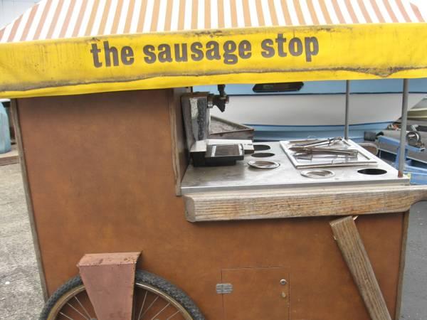 Photo hot dog cart $1,000 value (Reedsport)