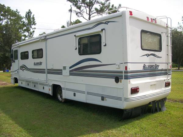 Photo 1998 Allegro Bay with a Super Slide Out and a Chevy 454 - $12,500 (Palm Coast)