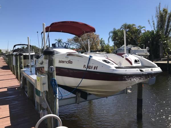 Photo 2003 Sea-doo Deck Boat Jet Boat - $12,500 (Cape Coral)
