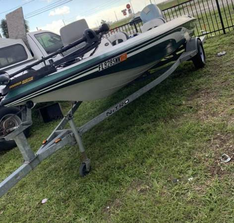 Photo 2005 nitro bass boat LX 640 all fiberglass - $6,200 (Dr. Phillips Orlando)