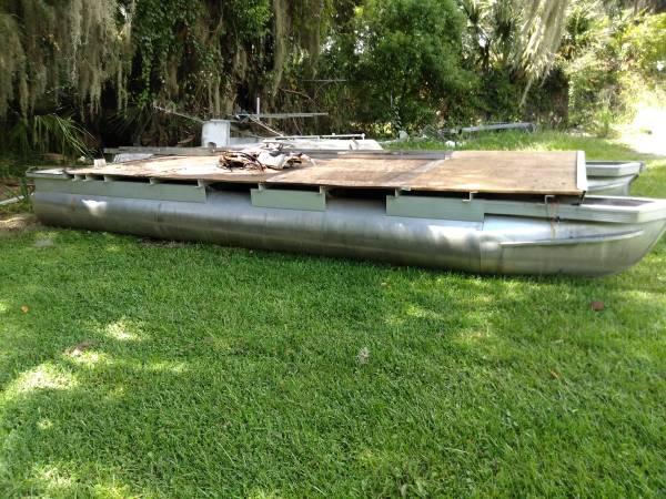 Photo 20ft pontoon boat hull, floating dock, work barge - $1,250 (Tavares)