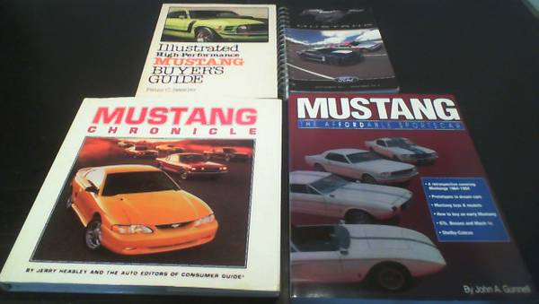 Photo 5 Books  2 Catalogs (2009-10) on Ford Mustang Cars - $15 (KISSIMMEE)