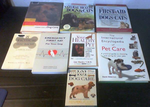 Photo 8 Books on Dog  Cat Care, Natural Health, Emergency First Aid  More - $15 (KISSIMMEE)