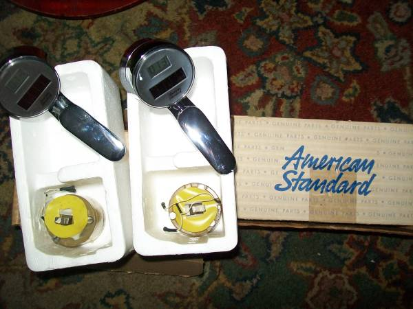 Photo American Standard Digital Display Temperature Sensor Faucet Handles - $85 (WINTER HAVEN)
