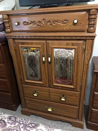 Photo Armoire dresser - $50 (Orlando)