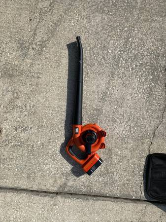 Photo Black and decker blower - $20 (Orlando)
