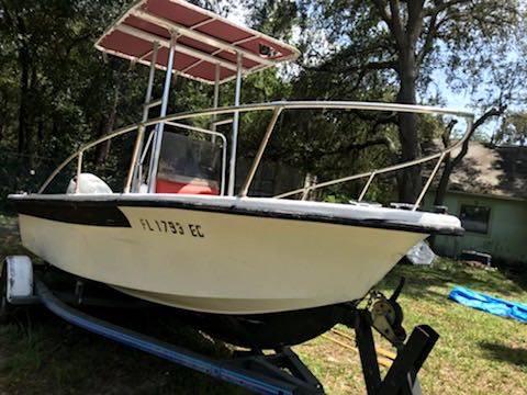 Photo Center console fishing boat - $3600