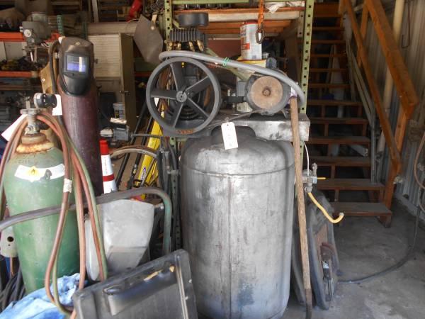 Photo Dayton 100 Gal Shop Air Compressor - $2,200 (Merritt Island)