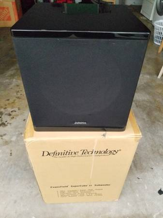 Photo Definitive Technology Powerfield SuperCube II Powered Subwoofer - $250 (Brandon)
