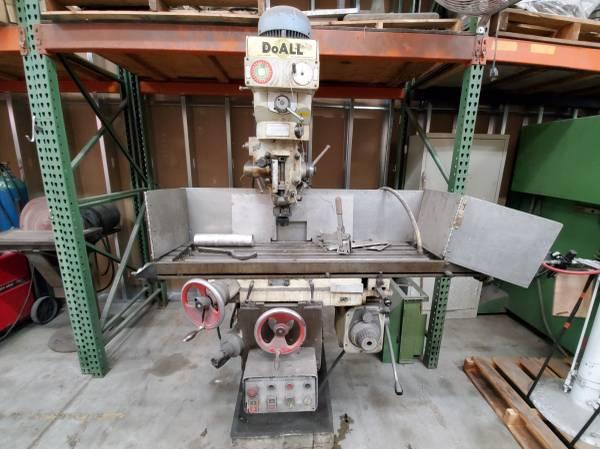 Photo DoAll Mill 5hp Bridgeport Milling Machining - $1,400 (Orlando)