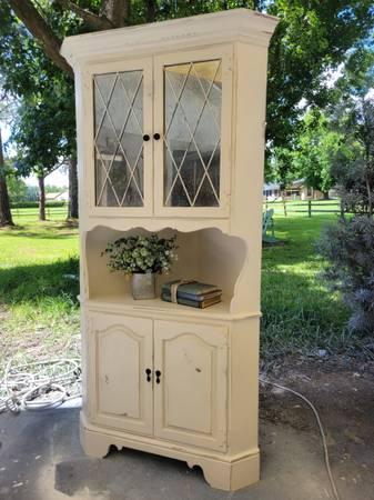 Photo Farmhouse shabby chic vintage ethan allen corner cabinet hutch book ca - $400 (windermere)