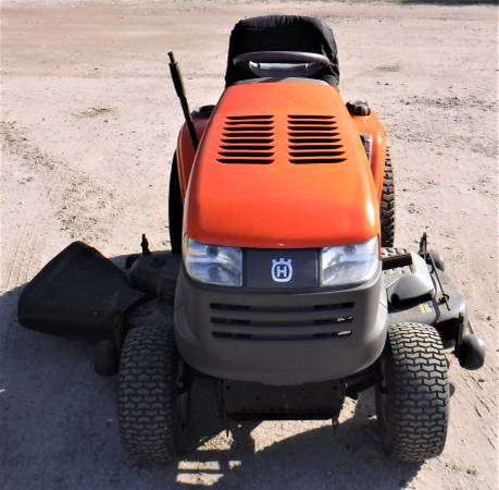 Photo Husqvarna Riding Lawn Mower  54quot Cut  6 Speed Trans With High  Low - $985 (Sanford)