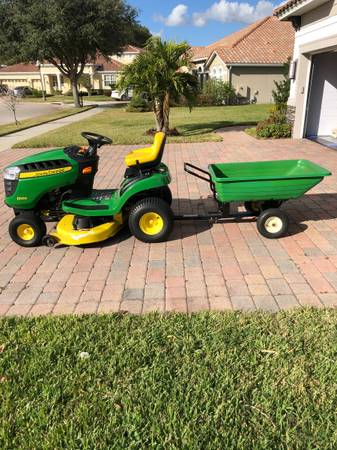 Photo John Deere Lawn Tractor - $900 (Belle Isle)