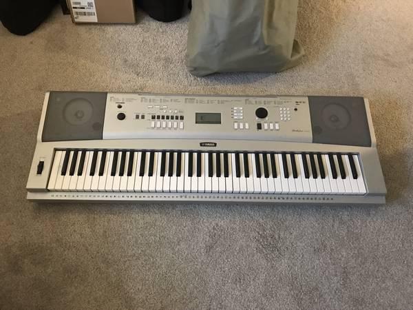 Photo Keyboard Yamaha Portable Grand DGX-230 used - $170 (Jacksonville Beach, FL)