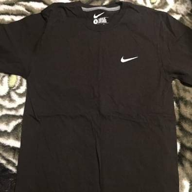 Photo MOVING SALE - womens size Small - Brown NIKE t shirt - $10 (Kissimmee, Fl)