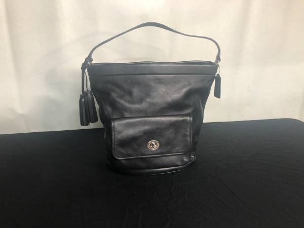 Photo New Black Solid Leather Coach Hand Bag - $75 (Conway)