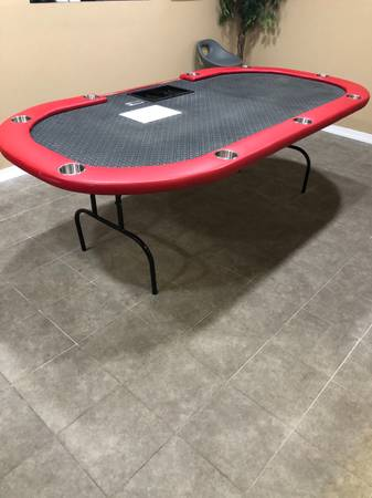 Photo Portable poker table with 2 big poker chip sets (Clermont)