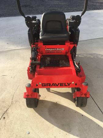 Photo Reduced Gravely 34 inch commercial mower zero turn - $2100