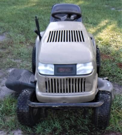 Photo Sears LT-1750 Craftsman Riding Lawn Mower  42quot Cut  Hydro Drive - $750 (Sanford)