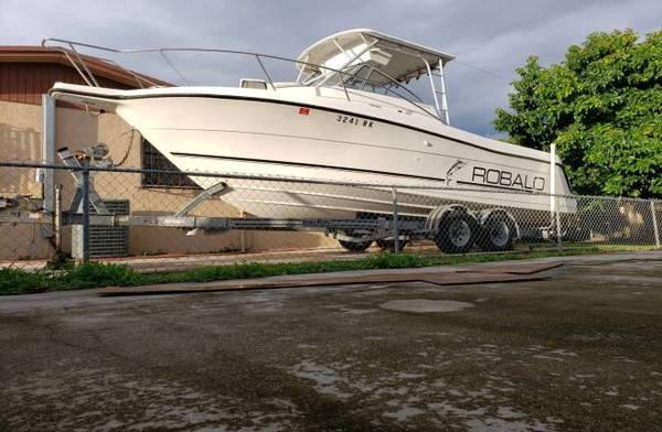 Photo Selling my boat 1995 ROBALO WALK AROUND with TWINS YAMAHA 250 HP - $18000