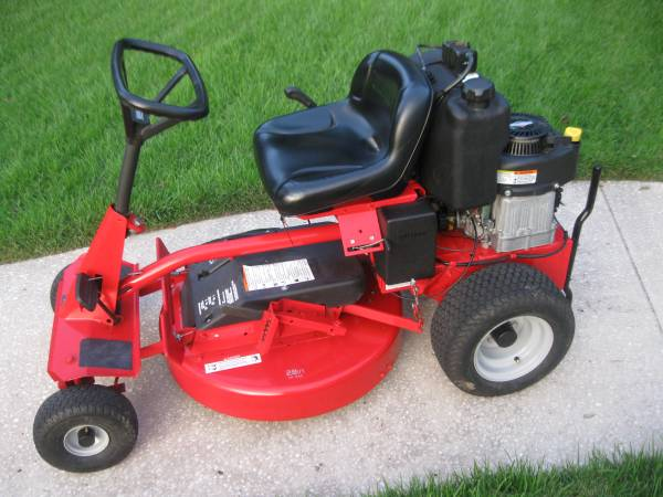 Photo Snapper Electric Start  Pull Start Riding Lawn Mower (Casselberry)