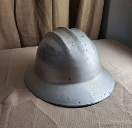 Photo Vintage Hard Hat - $80 (Orlando)