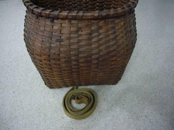 Photo Vintage Wicker Back Pack - $25 (Winter Springs)