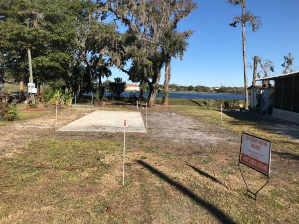 Photo Waterfront Lots Available For New Manufactured Homes (Orlando)