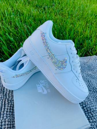 Photo Womens Nike Air Force One 1 Blinged out Customs Brand New - $125 (South Orlando  Meadow Woods)