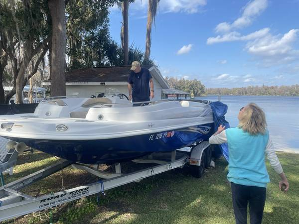 Photo dark space. for 20 ft boat (holiday tarpon springs)