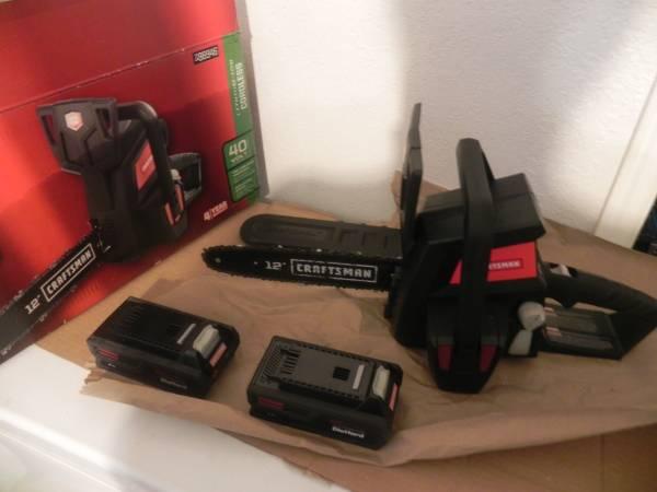 Photo lithium 40v chainsaw cordless chain saw 3 batteries 40 volt craftsman - $150 (south orlando south kissimmee)