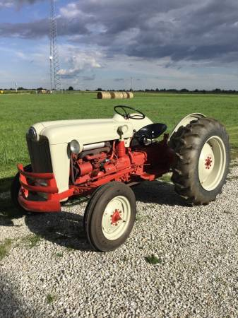 Photo 1954 Ford NAA Jubilee Tractor - $3,250 (Kirksville, Mo)