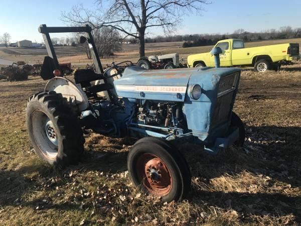 Photo 2000 Ford Tractor with Roll Bar - $2,950 (Kahoka, Missouri)