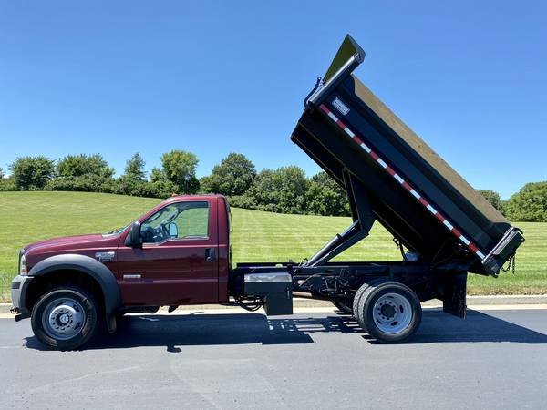 Photo 2006 Ford F-550 4x4 Diesel Dump Truck. 1 owner ONLY 87k miles - $24900