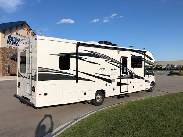 Photo 2019 Jayco Greyhawk prestige Motohome 30 XP FORD 32.6 FT long - $87,500 (Altoona)