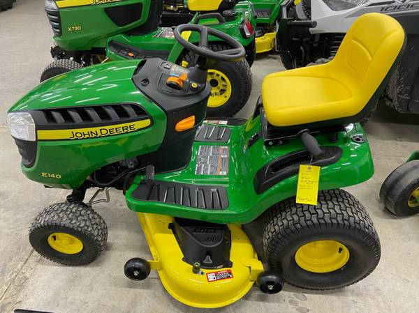 Photo 2019 John Deere E140 Riding Lawn Mower 1 hour never mowed 48 - $1,995 (Newton)