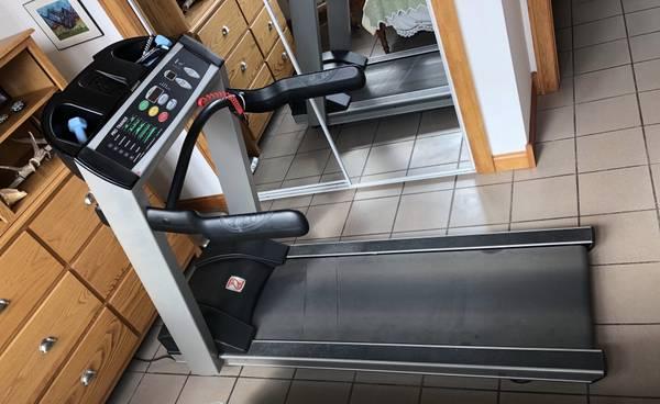 Photo Treadmill - Landice L7 Pro - $425 (Mount Pleasant, IA)