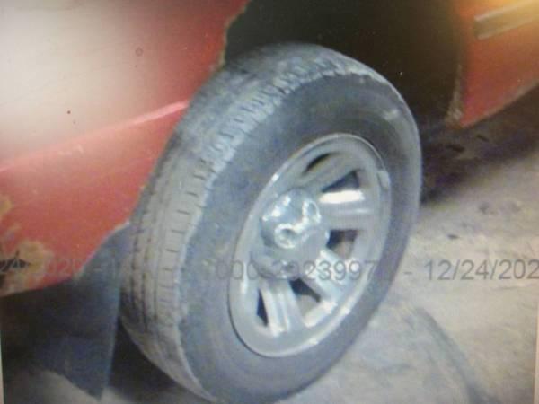 Photo Wanted,pair of Ford ranger wheels(2 wheel drive) - $1 (Richland,Iowa)