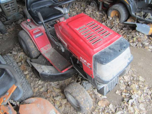 Photo Yard Machine (MTD) Riding Mower 42quot - $350 (Salem)