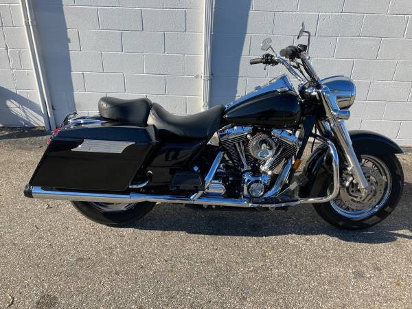 Photo 2004 Harley Davidson Roadking FLHR - $5,800 (Virginia Beach)