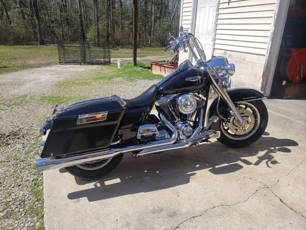 Photo 2005 Harley Davidson Road King - $8,500 (MECHANICSVILLE)