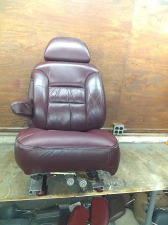 Photo 95-00 Chevy Suburban, Tahoe and Gmc Yukon Driver39s bucket Seat,power m - $750 (York,PA)