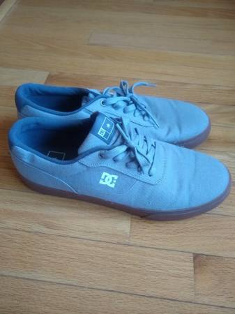 Photo DC shoes brand new - $20 (Southern Shores)