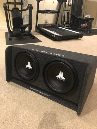 Photo Dual 12 inch ported subwoofer 600rms 2ohm - $370 (Midlothian)