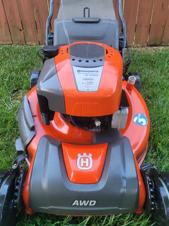 Photo HUSQVARNA AWD Self Propelled Mulching Lawn Mower - Fresh Tune Up - $300 (Wake Forest)