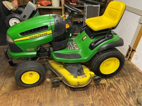 Photo John Deere LA130 Riding Lawn Mower - $700 (Chesapeake)